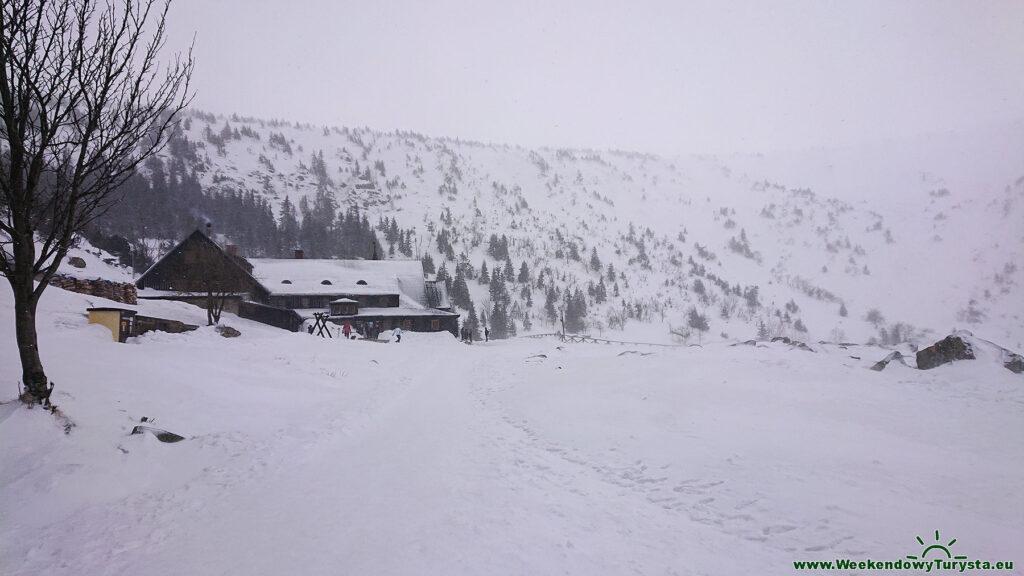 Kocioł Małego Stawu zimą